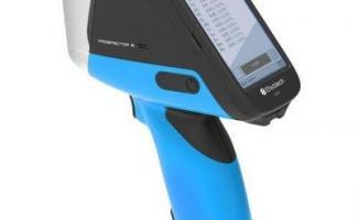 Espectrômetro portátil para metais